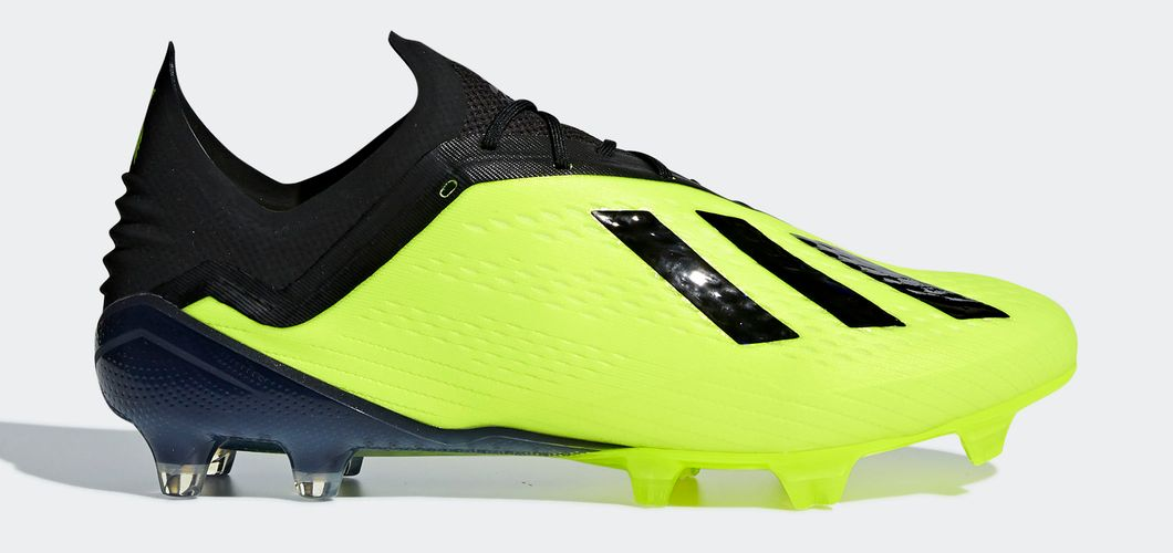 During the BPL Season 2017/2018 the Left footed player of Manchester City, born in Longjumeau, France, plays on adidas X 18.1.