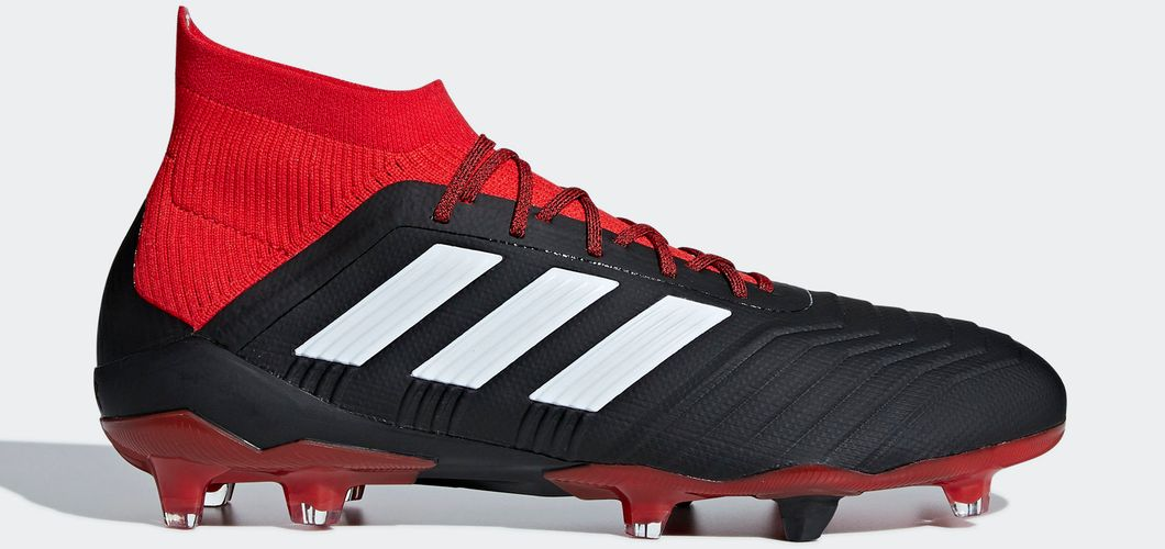 During the BPL Season 2017/2018 the Left footed player of Manchester City, born in Colombes, France, plays on adidas Predator 18.1.