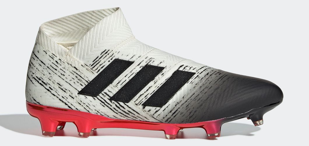 During the BPL Season 2018/2019 the Right footed player of Liverpool, born in Maceió, Brazil, plays on adidas Nemeziz 18+.