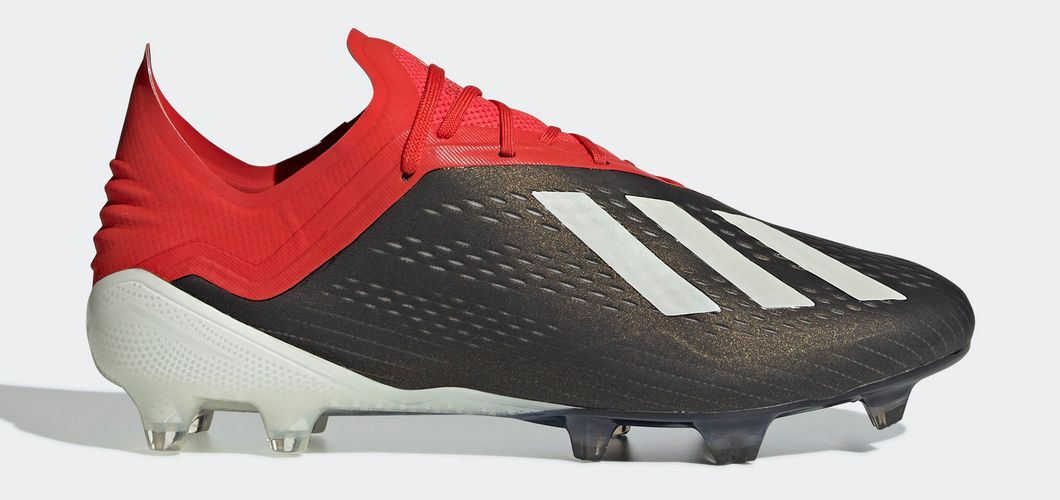 During the BPL Season 2018/2019 the Right footed player of Liverpool, born in Rotterdam, the Netherlands, plays on adidas X 18.1.