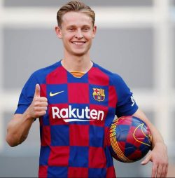 Picture of the 1.81 m (5 ft 11 in) tall Dutch midfielder of FC Barcelona