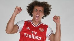 Picture of the 1.89 m (6 ft 2 in) tall Brazilian centre back of Arsenal