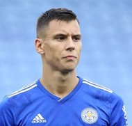 Picture of the 1.94 m (6 ft 4 in) tall Croatian centre back of Leicester City