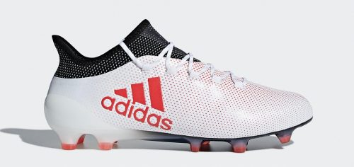 During the BPL Season 2018/2019 the Left footed player of Everton, born in Meaux, France, plays on adidas X 17.1.