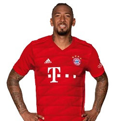 Picture of the 1.92 m (6 ft 4 in) tall German centre back of Bayern Munich