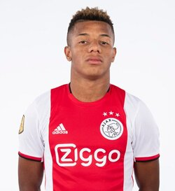 Picture of the 1.76 m (5 ft 9 in) tall Brazilian forward of Ajax Amsterdam