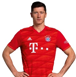 Picture of the 1.85 m (6 ft 1 in) tall Polish striker of Bayern Munich