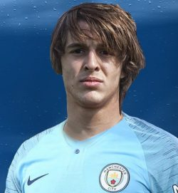 Picture of the 1.78 m (5 ft 10 in) tall Spanish centre forward of Manchester City