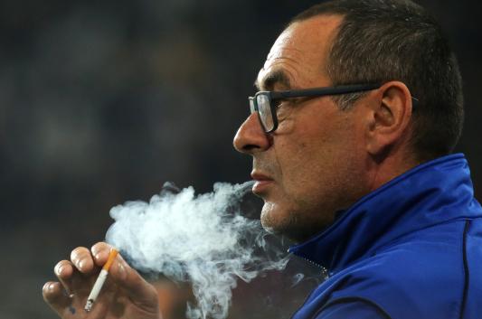 mauricio sarri smoking cigarette